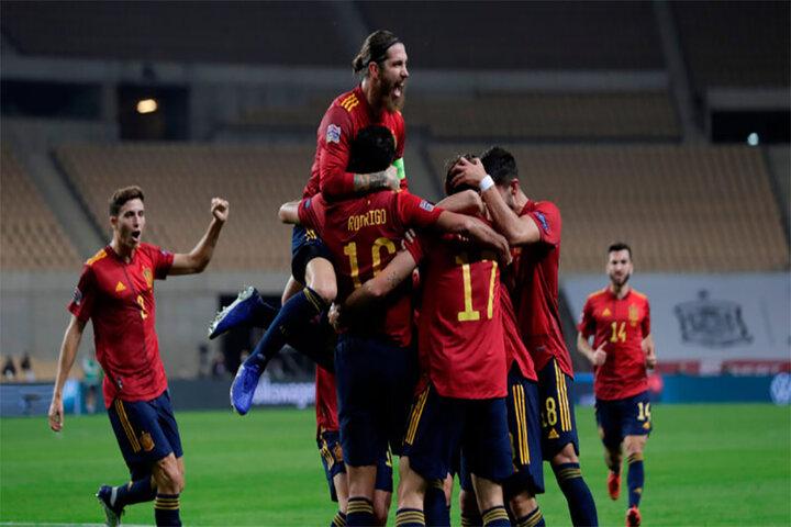 Fútbol: El Batacazo Español ante una sumisa Alemania