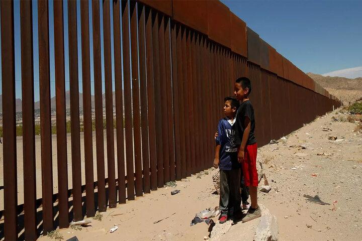 La Humanidad Entre Muros