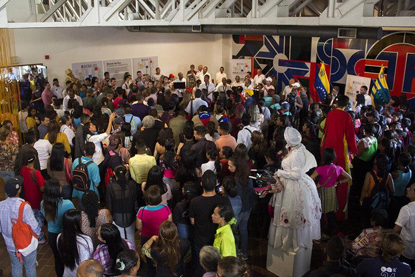 BIENAL DEL SUR. Público asistente a la III Bienal del Sur, en el Museo de Arte Moderno Jesús Soto, Ciudad Bolívar. 2019
